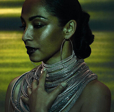 Sade UNSIGNED 10  X 8  Photograph - Z1638 - Beautiful Singer • 2.99£
