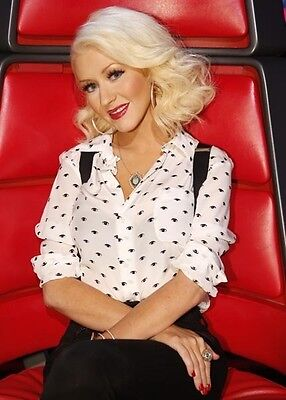 Christina Aguilera UNSIGNED Photo - B223 - SEXY!!!!! • 2.24£