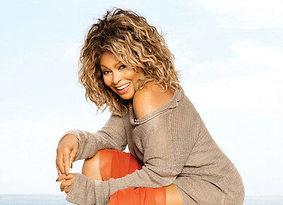 Tina Turner Unsigned Photo - 8141 - Beautiful!!!!! • 2.99£