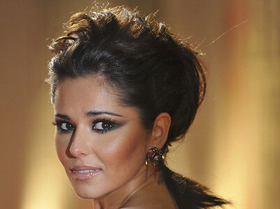 Cheryl Cole UNSIGNED Photo - E1385 - GORGEOUS!!!!! • 2.99£