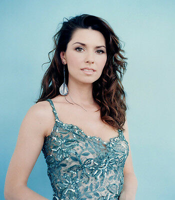 Shania Twain UNSIGNED 10  X 8  Photograph - F641 - BEAUTIFUL!!!!! • 2.24£