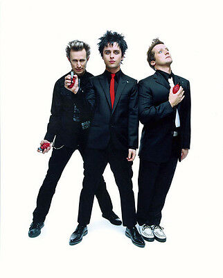 Green Day UNSIGNED Photo - H2647 - Billie Joe Armstrong, Mike Dirnt & Tré Cool • 2.24£