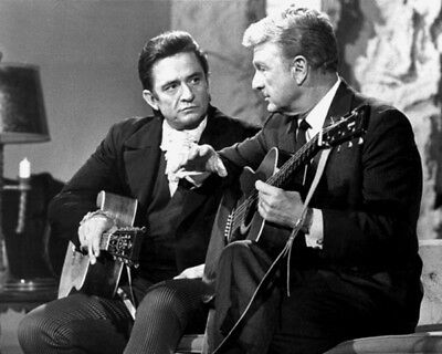 Johnny Cash And Eddie Albert UNSIGNED Photo - K9401 - The Johnny Cash Show • 3.99£