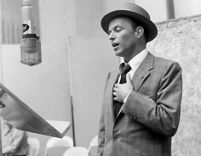 Frank Sinatra UNSIGNED Photograph - L3685 - In The 1950's - NEW IMAGE!!!! • 1.99£