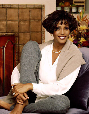 Whitney Houston UNSIGNED Photo - M2526 - American Singer And Actress - NEW IMAGE • 3.99£