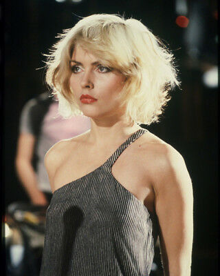 Debbie Harry UNSIGNED Photograph - M8446 - Lead Singer Of Punk Rock Band Blondie • 2.99£