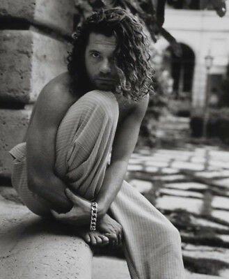 Michael Hutchence UNSIGNED Photograph - K8271 - SEXY!!!! • 1.99£