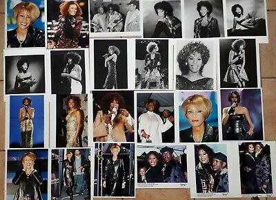 WHITNEY HOUSTON- SET OF 24 PRESS PHOTOS,  PA  NEWS Photo & 11 OTHER PRESS PHOTOS • 40£