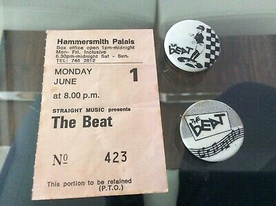 The Beat Ticket stub With Badges • 10£