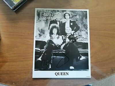 Queen Signed Photo • 280£