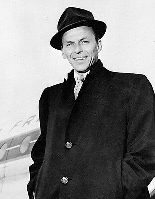 Frank Sinatra UNSIGNED 10  X 8  Photo - Z1134 - New York, New York & That's Life • 1£
