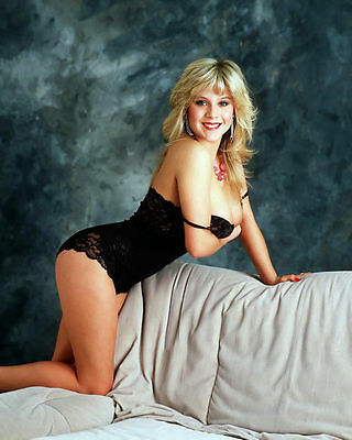 Samantha Fox Unsigned Photo - 4460 - Gorgeous!!!!! • 2.99£