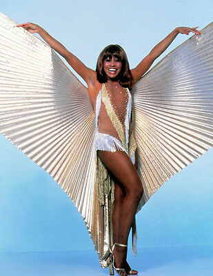 TINA TURNER UNSIGNED 10  X 8  PHOTO - Z1406 - SEXY!!!!! • 1£