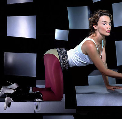 Kylie Minogue Unsigned Photo - 8208 - Gorgeous!!!!! • 2.99£