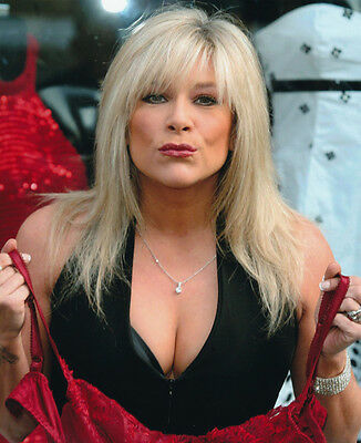 Samantha Fox Unsigned Photo - 2145 - Gorgeous!!!!! • 2.99£