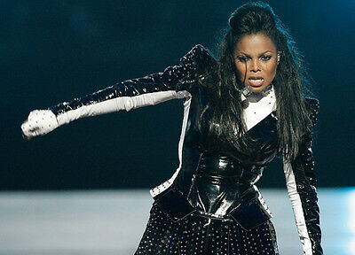 Janet Jackson UNSIGNED Photo - 9271 - Singer, Songwriter, Dancer And Actor • 2.99£