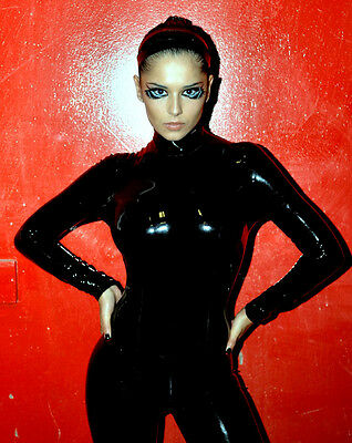 Cheryl Cole UNSIGNED Photo - E1368 - GORGEOUS!!!! • 2.99£