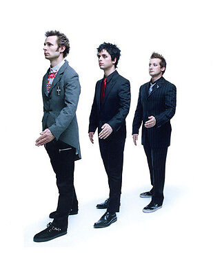 Green Day UNSIGNED Photo - H2652 - Billie Joe Armstrong, Mike Dirnt & Tré Cool • 2.99£