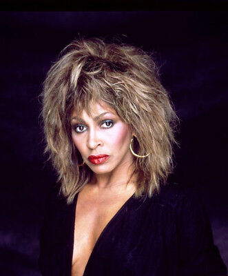 Tina Turner UNSIGNED Photo - K8822 - STUNNING!!!! • 2.99£