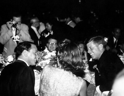 Frank Sinatra, Pat Lawford & John F. Kennedy UNSIGNED Photo -L3680- In The 1960s • 1.99£