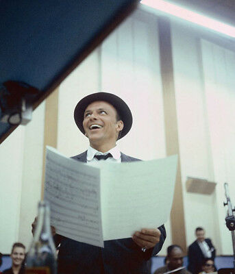 Frank Sinatra UNSIGNED Photograph - L3682 - In 1953 - NEW IMAGE!!!! • 1.99£