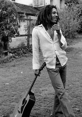 Bob Marley UNSIGNED Photograph - L3922 - Kingston, 1976 - NEW IMAGE!!!! • 3.99£