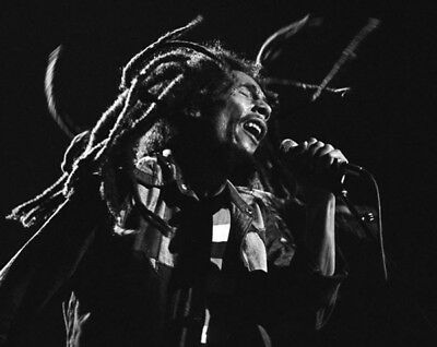 Bob Marley UNSIGNED 8  X 6  Photograph - L3927 - Uptown Theater, Chicago, 1979  • 2.50£