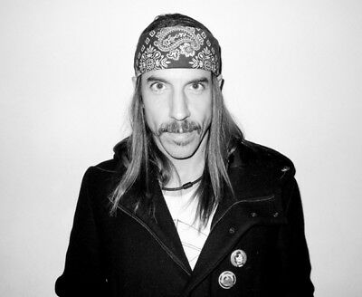 Red Hot Chili Peppers UNSIGNED Photograph - M4638 - Anthony Kiedis • 3.99£