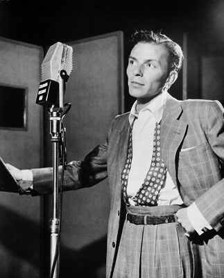Frank Sinatra UNSIGNED Photograph - M9234 - American Singer & Actor - NEW IMAGE • 2.99£