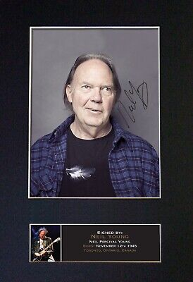 NEIL YOUNG Mounted Signed Autograph Photo Print A4 #391 • 5.95£