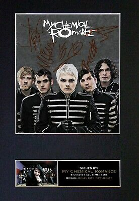 MY CHEMICAL ROMANCE Mounted Signed Autograph Photo Print A4 #112 • 17.99£