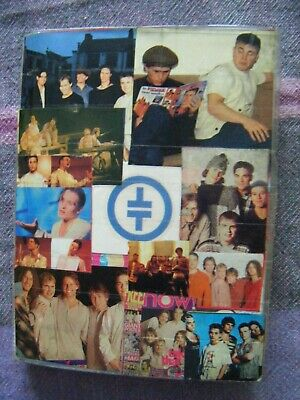 Take That - 19 Postcards Printed Signitures In A Folder • 9.99£