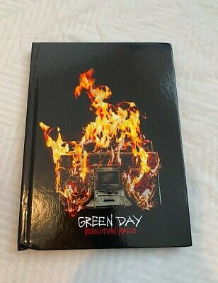 Green Day Deluxe CD And Lyric Book • 14£