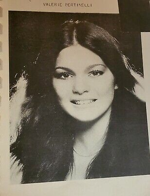 Valerie Bertinelli Senior High School Yearbook Todd Bridges Different Strokes • 311.70£