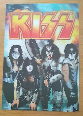 Kiss – Large 3D Effect Plastic Poster • 33£