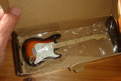 BUDDY HOLLY Lovely Miniature Fender Guitar, Boxed, Very Good Condition • 7.99£