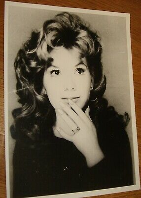 VIKKI CARR Press Photo Black & White V.g.c. • 2.99£