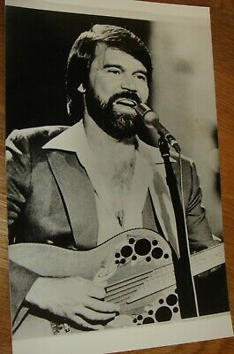 GLEN CAMPBELL Press Photo Black & White V.g.c. • 3.99£