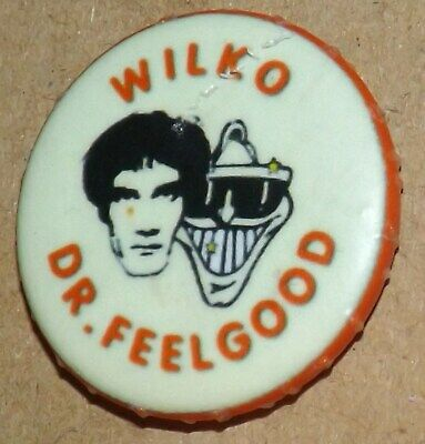 25mm BADGE PIN DR FEELGOOD WILKO DOCTOR ROCK POP MUSIC BUTTON PINBACK OLD BAND • 0.99£