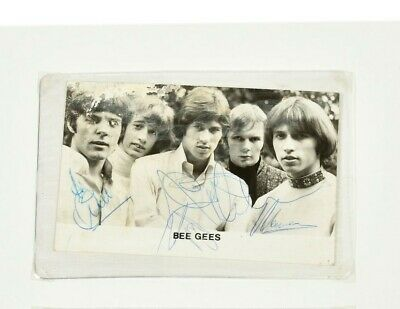 THE BEEGEES Promotional Autographed Postcard - Signed By The Three Gibb Brothers • 130£