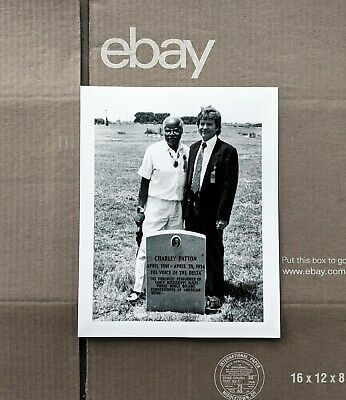 PHOTO: JOHN FOGERTY & POPS STAPLES At CHARLEY PATTON'S GRAVE, Holly Ridge, MS • 17.72£