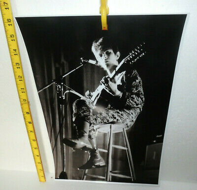 Large Photo David Bowie Playing A Guitar (ref F) • 3£
