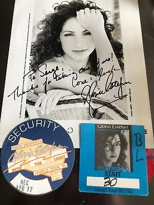Gloria Estefan Signed Photo From 1991 And Two Passes • 19.99£