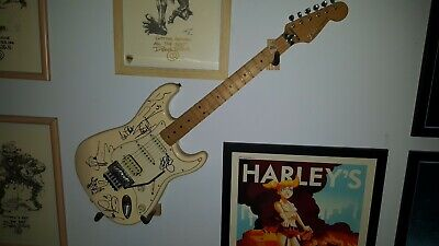 Iron Maiden Fully Signed & Tour-used Guitar Fender Stratocaster • 1,500£