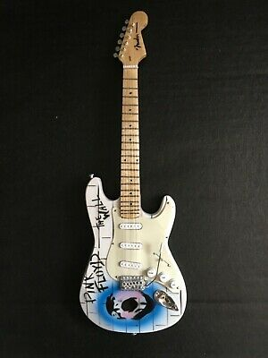 Pink Floyd The Wall Fender Stratocaster Miniature Replica Rock Guitar • 24.99£
