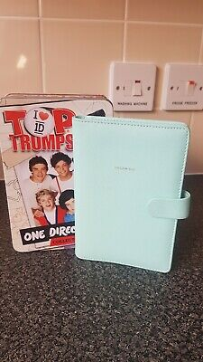 One Direction Collector's Tin Plus Big Dreams Wallet . • 8£