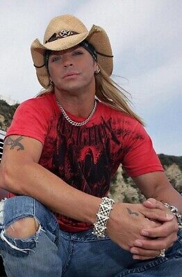Bret Michaels UNSIGNED 6  X 4  Photograph - Glam Metal Band Poison - B952 -£1.50 • 1.50£
