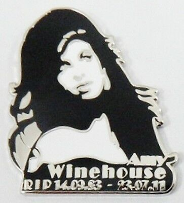 ***NEW*** Amy Winehouse 'RIP Rememberance' Enamel Badge. Lioness,Back To Black. • 3.99£