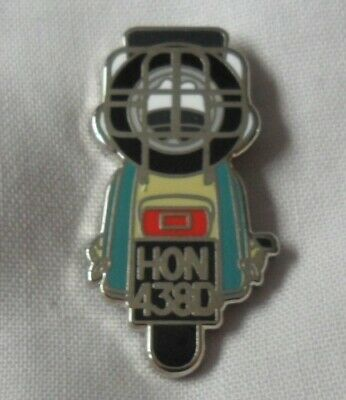 Ocean Colour Scene 'The Day We Caught The Train' Enamel Scooter Badge. OCS, Mod • 3.99£