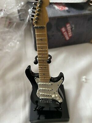 Miniture Guitar And Stand • 10£
